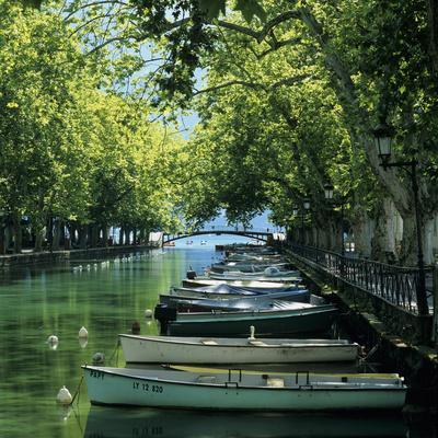 Boats Along Canal, Annecy, Lake Annecy, Rhone Alpes, France, Europe