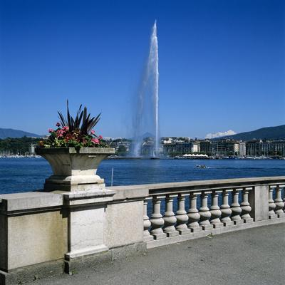 Jet D'Eau (Water Jet), Geneva, Lake Geneva (Lac Leman), Switzerland, Europe