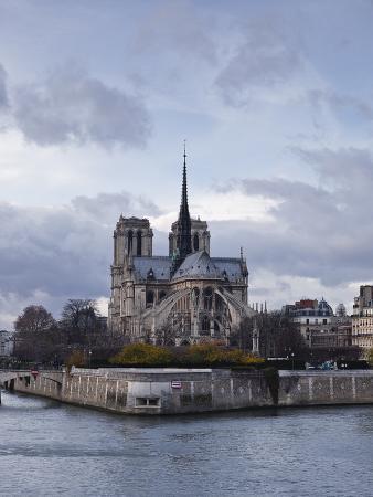 Notre Dame Cathedral on the Ile De La Cite, Paris, France, Europe