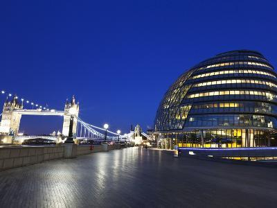 City Hall Building, Home of the Greater London Authority, Tower Bridge over the River Thames, Borou