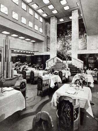 Dining Room on the Ocean Liner 'Ile De France', 1926 (B/W Photo)