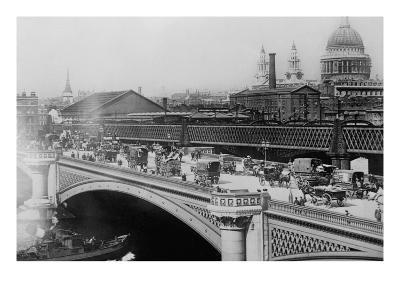 London's Black Friar's Bridge