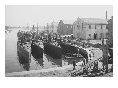 Us Torpedo Boats in the Wet Dock, Norfolk Navy Yard, Va.