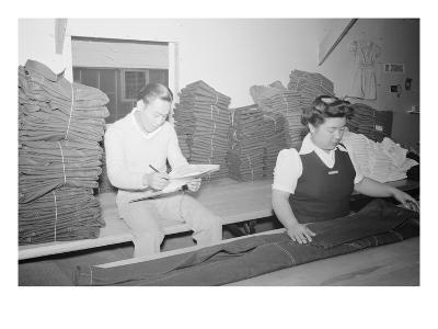 Bert K. Miura and Toshiko Kadonada, Bundling and Shipping,