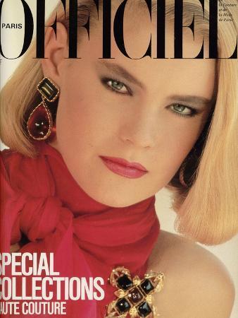 L'Officiel, September 1983 - Chanel, Robe du Soir en Mousseline de Soie À Encolure Nouée