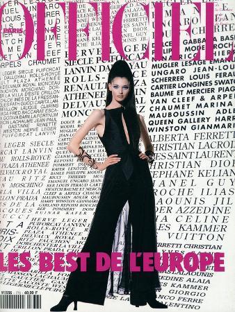 L'Officiel, December 1992-January 1993 - Annelise, dans un Ensemble de Claude Montana