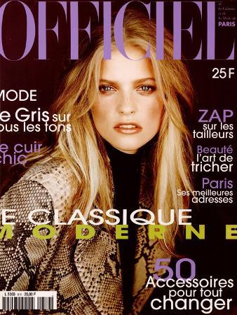 L'Officiel, October 1997 - Sarah Thomas Porte Le Manteau de La Rentrée Créé Par Trussardi
