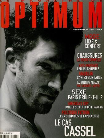 L'Optimum, April-May 1999 - Vincent Cassel Porte un Tee-Shirt Col V en Coton Chiné Calvin Klein