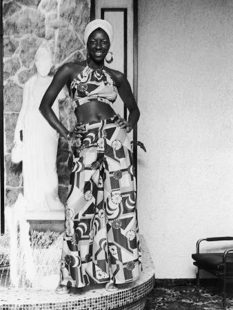 Natalie Cole Shows Off Her Stylish Outfit, 1973 Photo