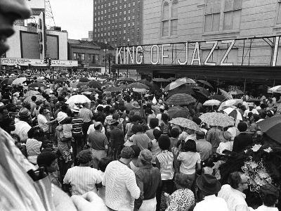 Mourners at Louis Armstrong Funeral Rally