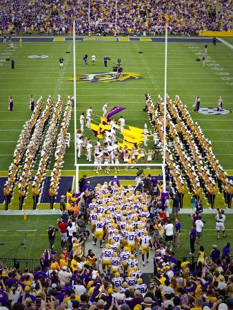 Louisiana State University: LSU Tigers Take the Field on Game Day
