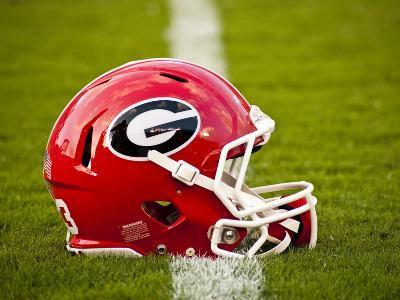 University of Georgia: Georgia Bulldogs Football Helmet