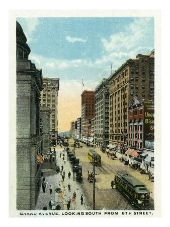 Minneapolis, Minnesota - Southern View Down Grand Avenue from Eighth Street