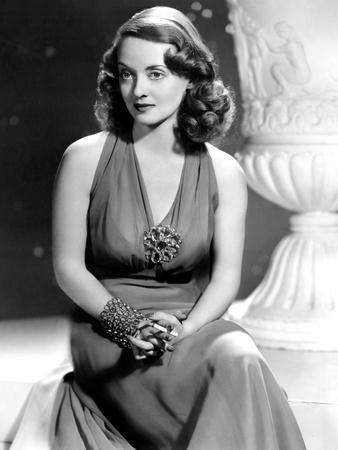 Bette Davis, Warner Brothers, 1940s