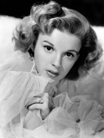 Judy Garland, 1943