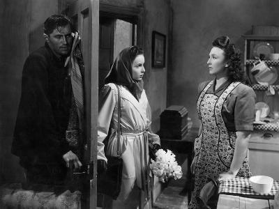 It Always Rains On Sunday, John McCallum, Patricia Plunkett, Googie Withers, 1947
