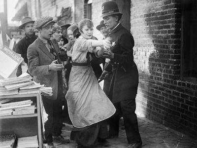 Intolerance, Mae Marsh, 1916