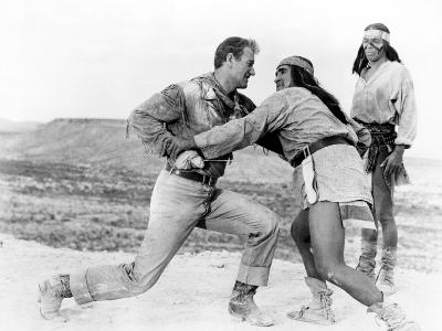 Hondo, John Wayne, Michael Pate, Rodolfo Acosta, 1953