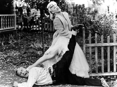 The Miracle Of Morgan's Creek, William Demarest, Betty Hutton, 1944, Fight