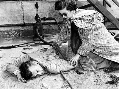 The Reckless Moment, Shepperd Strudwick, Joan Bennett, 1949