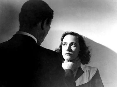 Shadow Of A Doubt, Joseph Cotten, Teresa Wright, Strangling, 1943