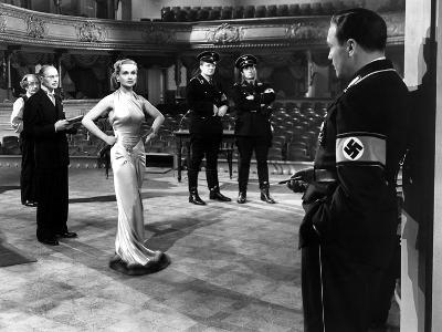 To Be Or Not To Be, Charles Halton, Carole Lombard, Jack Benny, 1942