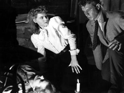 The Spiral Staircase, Rhonda Fleming, Dorothy McGuire, Gordon Oliver, 1946