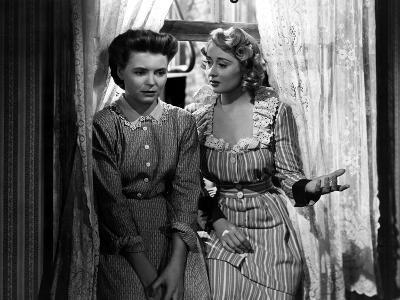 A Tree Grows In Brooklyn, Dorothy McGuire, Joan Blondell, 1945