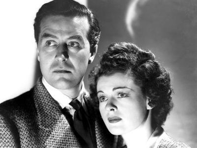 The Uninvited, Ray Milland, Ruth Hussey, 1944