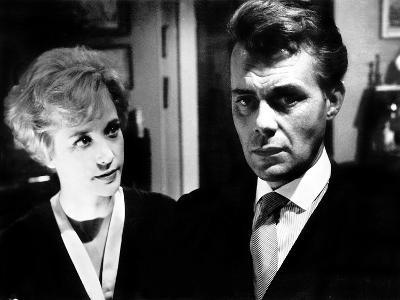 Victim, Sylvia Syms, Dirk Bogarde, 1961