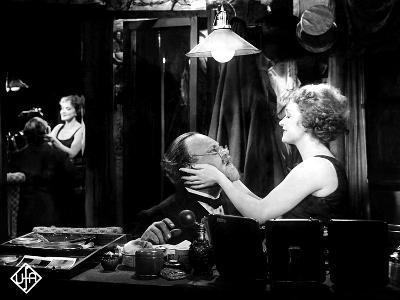 The Blue Angel, (AKA Der Blaue Engel), Emil Jannings, Marlene Dietrich, 1930
