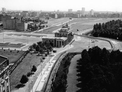 Aerial View of Brandenberg Gate, Where the Berlin Wall Forms a Loop
