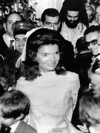 Jacqueline Kennedy Marries Aristotle Onassis