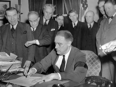 Pres Franklin Roosevelt Signs Joint Congressional Resolution Declaring War, 4:10pm, Dec 8, 1941