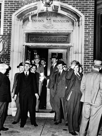 German Aliens Leaving the Deutsche Seaman Mission for Ellis Island with US Immigration Agents