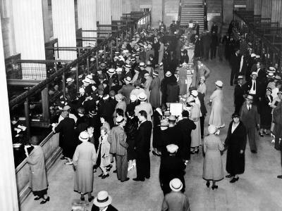 Crowds in the Lobby of a Detroit Bank