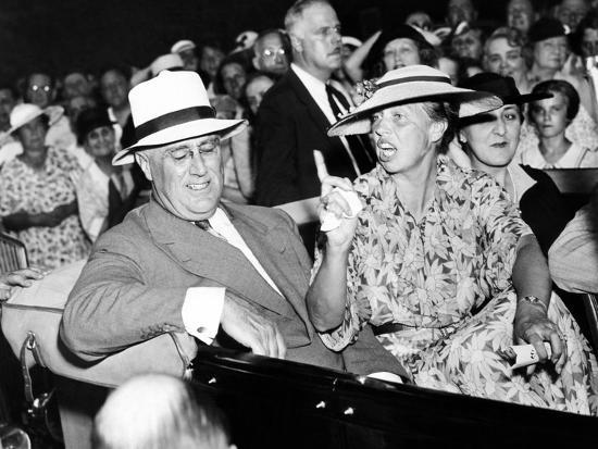 Pres Franklin Roosevelt And Animated Eleanor Roosevelt Leave