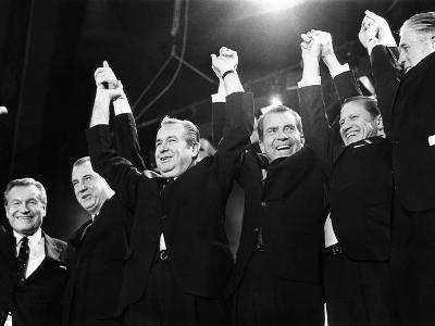 Republicans Display Unity for Nixon