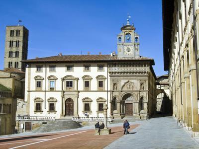 Fraternita Dei Laici Building and Church of Santa Maria Della Pieve, Piazza Vasari, Arezzo, Italy