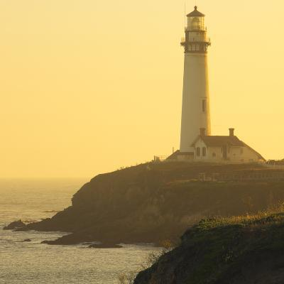 Pigeon Point Lighthouse, Santa Cruz Coast, California, USA