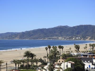 Beach, Santa Monica, Malibu Mountains, Los Angeles, California, Usa