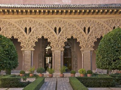 Patio de Santa Isabel, Aljaferia Palace Dating from 11th Century, Aragon, Spain
