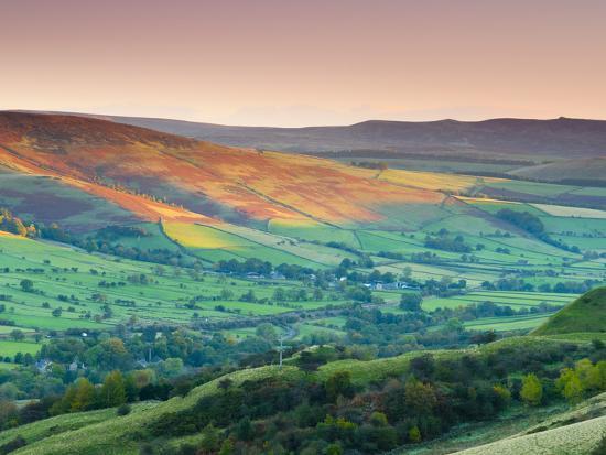 Vale Of Edale Peak District National Park Derbyshire