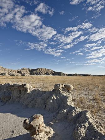 Curving Formation in the Badlands, Badlands National Park, South Dakota, USA, North America