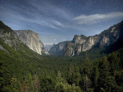 Yosemite Valley and Night Sky, Yosemite Nat'l Park, UNESCO World Heritage Site, California, USA