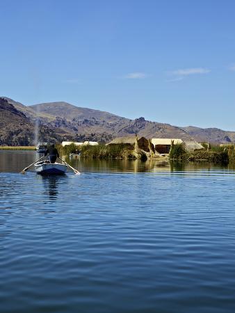 Aymara Man in Boat, Lake Titicaca, Flotantes, Peru, Peruviann, Latin America, South America