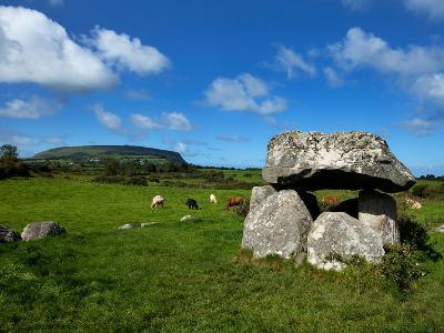 Dolmen, Portal Tomb in Stone Circlke, Carrowmore Megalithic Cemetery, Cúil Irra Peninsula, Ireland