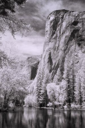 El Capitan and the Merced River, Infrared