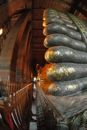 Reclining Buddha at the Wat Pho Monastery (Wat Phra Chetuphon), Bangkok, Thailand, Southeast Asia