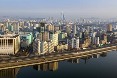 Pyongyang and the River Taedong, Pyongyang, Democratic People's Republic of Korea (DPRK), N. Korea